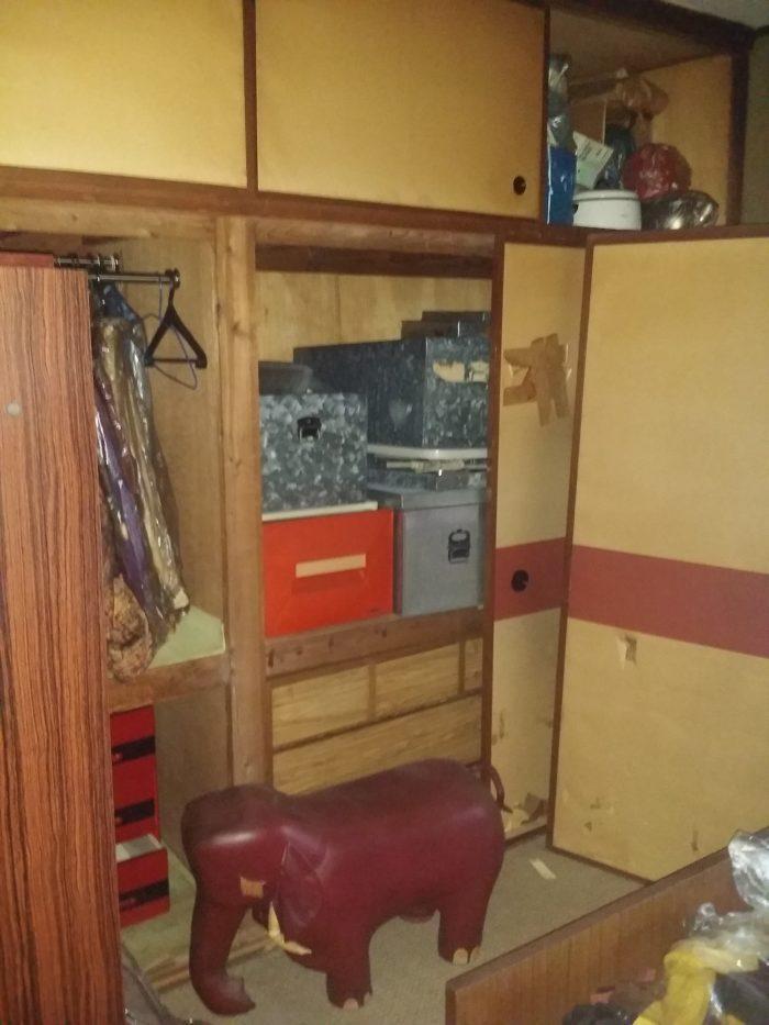 市営住宅の遺品整理 お客様と共に ☆冷蔵庫、エアコン買取☆