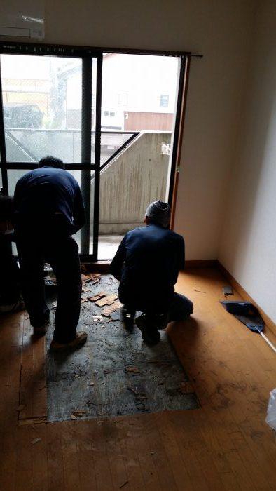 東海市の1kのアパートの  お片付けプラス 特殊清掃の現場
